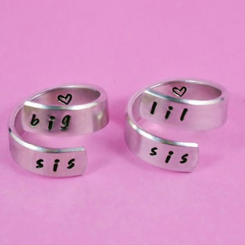 big sis / lil sis  - Spiral Ring Set, Hand stamped, Handwritten Font, Shiny Aluminum, Forever Love, Friendship, BFF