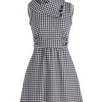 Coach Tour Dress in Houndstooth | Mod Retro Vintage Dresses | ModCloth.com