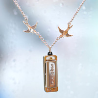 High quality,Music box necklace,It is true that the music box ,It can blow