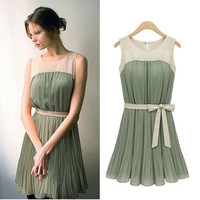 Romantic moments — Fashion sleeveless pleated chiffon dress