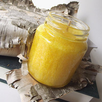 Daisy scented Palm Wax Candle - Hand Poured Natural Wax Candle -- 6.5 ounce Jar