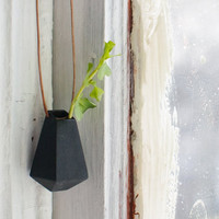Geometric Planter, Black: A Wearable Planter