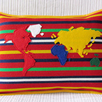 "World Map Cushion Cover -  Map Pillow Cover - ""Eu e o Mundo"""