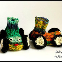 Funny Racing car baby booties KNITTING PATTERN