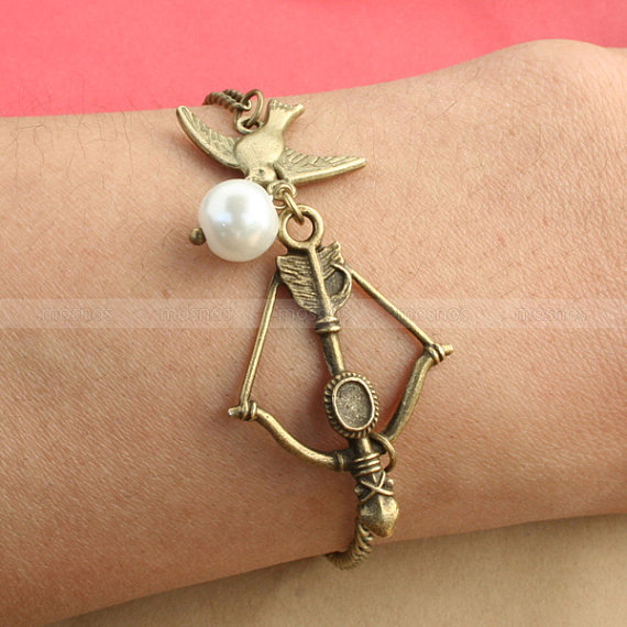Katniss bow charm bracelet Mockingjay and Peeta pearl by mosnos