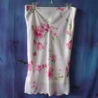 M Collection fully lined size medium white polyester skirt with pink flowers