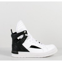 Cut out high top sneaker by Cinzia Sport Oak