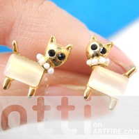 Fancy Kitty Cat Animal Stud Earrings with Pearl Beaded Necklace Detail