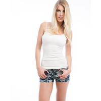 Stanzino Juniors 'Blue Rose' Floral Denim Shorts | Overstock.com