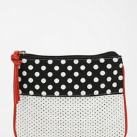 Cooperative Split-Pattern Small Zip-Pouch