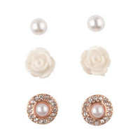 Pearl & Flower Stud Set