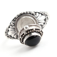Vintage Sterling Silver Poison Ring -  Black Onyx Stone Size 6 1/2 Retro Locket Jewelry / Secret Compartment