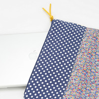 Cooperative Split-Pattern Laptop Zip-Pouch
