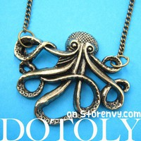Realistic Large Octopus Pendant Necklace in Bronze