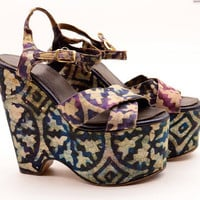 1970s batik print platforms 70s wedges Size 5 Iconic hippie Vintage shoes sky high purple teal