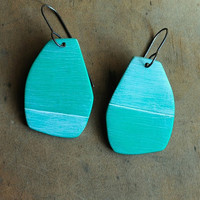Hemisphere dangle earring in Bright Mint