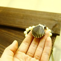 Cute Vintage Shell Women's Necklace Watch - Watches - Accessories - Women Free Shipping