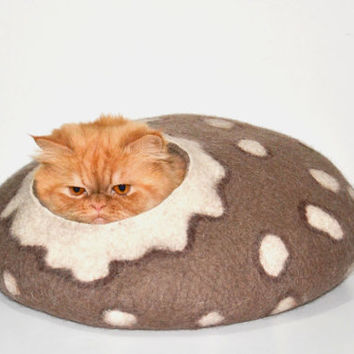 SIZE L Cat Bed Felted cat bed, cat cave , pets house brown Ready to ship