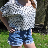 Light Loose Crop Flowy T-Shirt with Navy Stars