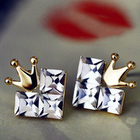 Cordate crown earrings