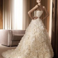http://www.milifashion.com/p-767-Pronovias-Wedding-Dresses-2.html