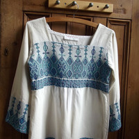 womens vintage boho blouse uk 8 us 6 blue white folk 1970s clothing Bohemian square neck