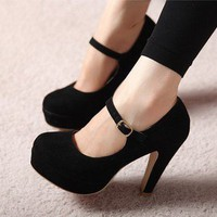 elegant high-heeled shoes Fabric surface Slugged bottom