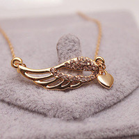 Hollow  Wings Love Necklace