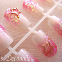Holographic pink Japanese style gradation nails by celdeconail