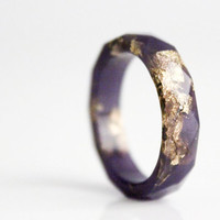 deep purple and gold size 8 thin multifaceted eco resin ring