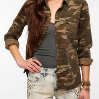 BDG Twill Camo Boyfriend Button-Down Shirt