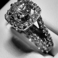 Have You Seen the Ring?: Uniquely Brilliant 1.0ct Round Brilliant Diamond Engagement Ring