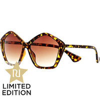 Brown Jeepers Peepers oversized sunglasses - oversized sunglasses - sunglasses - women