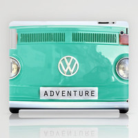 Adventure wolkswagen. Summer dreams. Green iPad Case by Guido Montañés