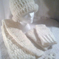Women's Ivory Winter Hat Set - Handmade Crochet