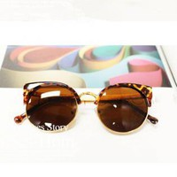 Cat Eye Sunglasses With  Cut Away Detail M73