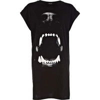 Black dog bite print t-shirt dress