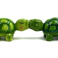 Kissing Turtles - Salt & Pepper Shakers