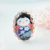 Blue japanese doll glass oval silver lace ring