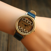Vintage Style Watch with Waves WQE