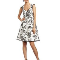 Amazon.com: Jessica Simpson Women&#x27;s Cross Front Dress: Clothing