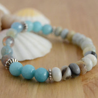 Bohemian beach stretch bracelet. Aqua beaded bracelet. Summer accessory