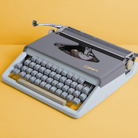 1969 Consul Typewriter. Restored and fully working. Model 232.5. Czechoslovakia. German vintage typewriter. Baby blue Gray Green. With Case.