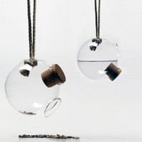 Glass Bird Feeder by Dombon-a-Tanya | GBlog