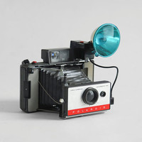 Vintage Polaroid Land Camera  Automatic 104 Mid by Hindsvik