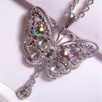 Rhinestone Butterfly Pendant Necklace With Dangle