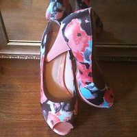 Graceland Peeptoe Pump Size 5 Multi-Color