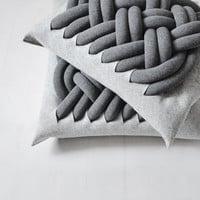 KNOTTY pillow (2 sizes)