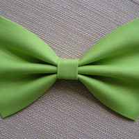 Apple green Bow, Bows for girls, Hair bow for teens, fabric Hair bows, Bows for Women, Green fabric Bow