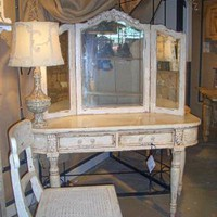 Parisan Vanity with Mirror